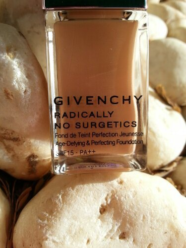 Givenchy Radically No Surgetics foundation Review and Swatches