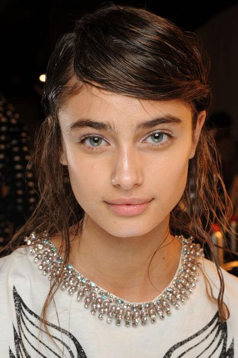 glowing skin spring Makeup trend 2014